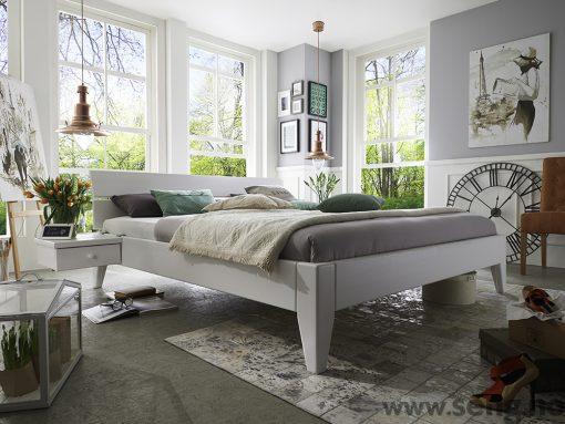 Tjörnbo seng